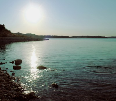 The sun upon the lake