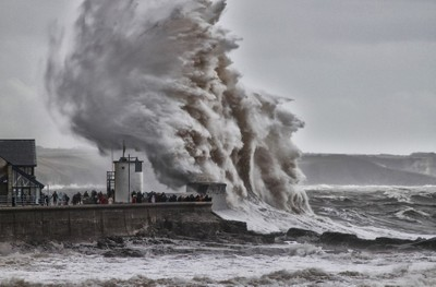 PORTHCAWL WAVE