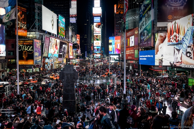 Times Square Non Stop Party by RiccardoMantero - People In The City Photo Contest