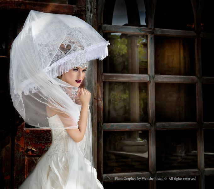 The girl with the umbrella. by wenchejostad - Weddings And Fashion Photo Contest