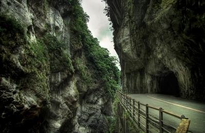 Cliff Road 1