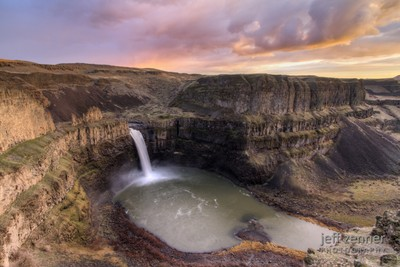 Sunset over Palouse Falls