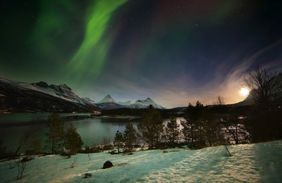 The moon and aurora