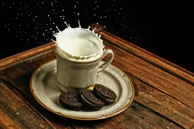 cookiesand milk_lzn