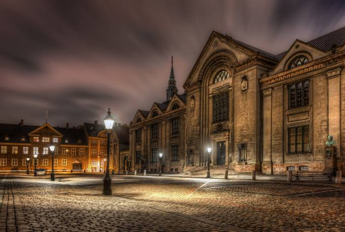 Denmark - Copenhagen - University at night by jacobsurland
