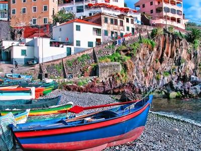 A Madeira Harbour