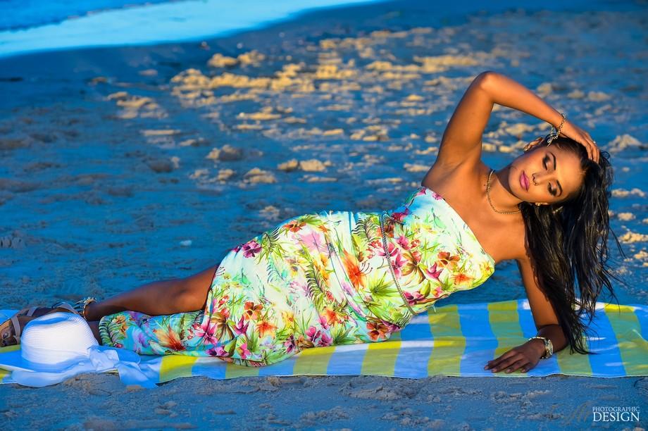 Sunset Glow   Manisha Model
