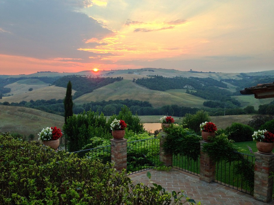 A typical tuscan sunset.