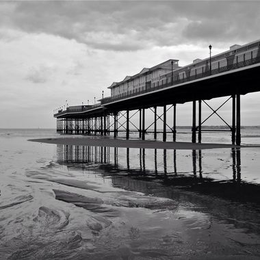 Paignton pier tide out