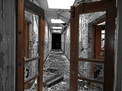 hall way of broken dreams