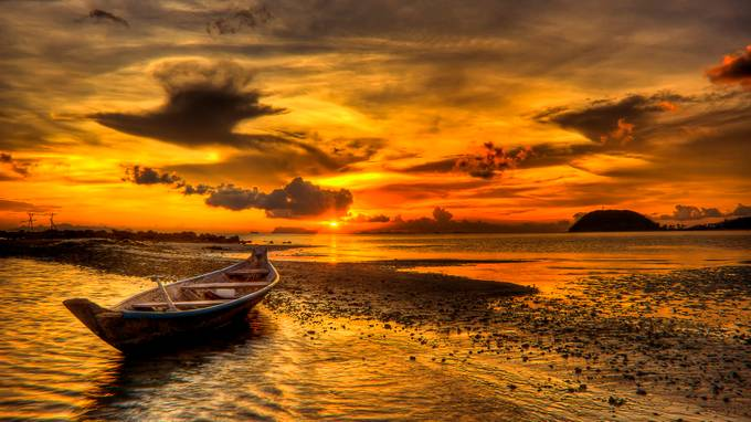 Beach at Sunset by richardtenbrinke - Nature In HDR Photo Contest
