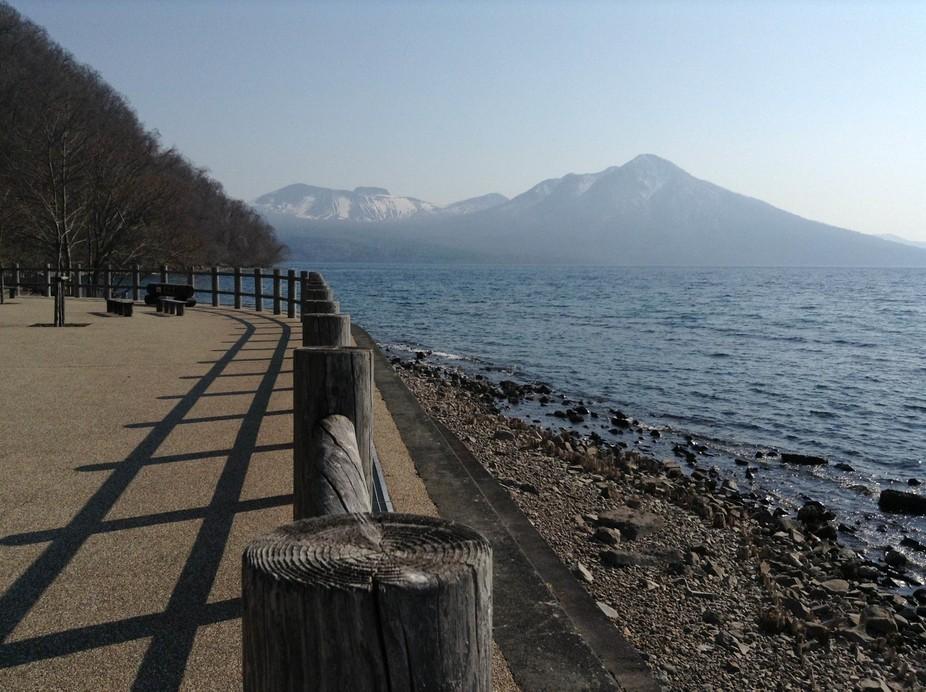 Exceptional day at Shikotsuko (支笏湖) & Tarumae-san (樽前山).  Cold embraced by sun, i...
