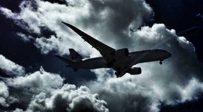 HDR airplane