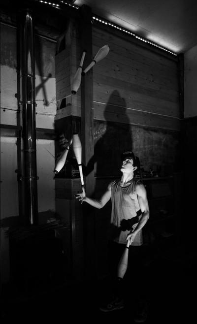 Juggling in the dark