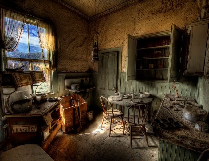 Bodie Kitchen by clownsonvelvet - I Love This Room Photo Contest