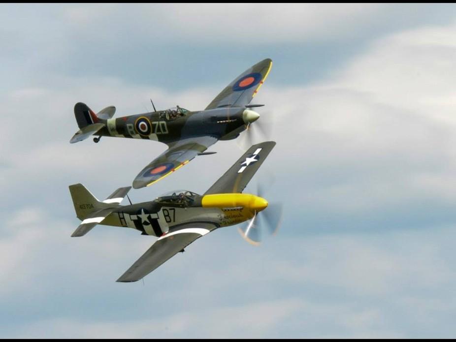 WW11 planes in flight.