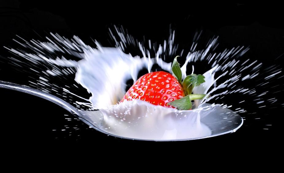 Creamy Strawberry Drop