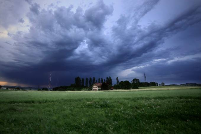 Spring storm | Orage printanier by oZimages - Meadows Photo Contest