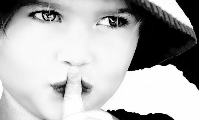Little girl has a secret.