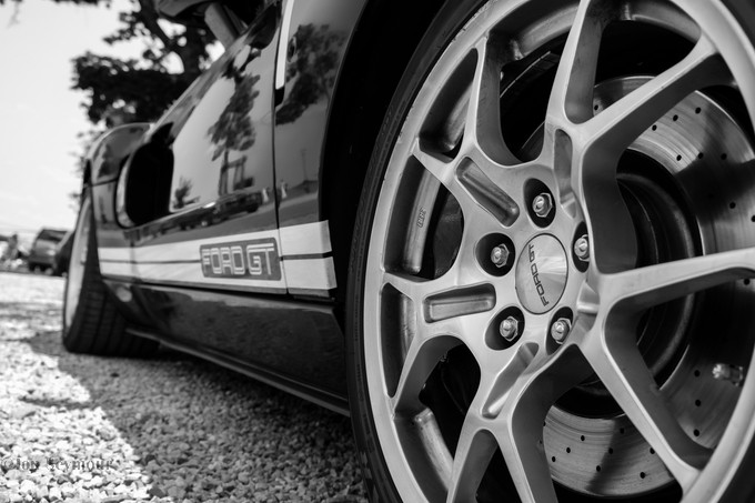 Ford GT in B&W by JonSeymour - Awesome Cars Photo Contest