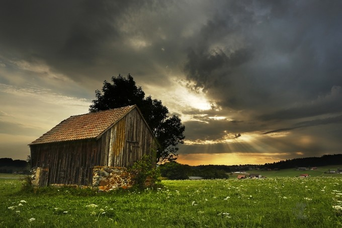 Summer landscape beside of the storm | Paysage d