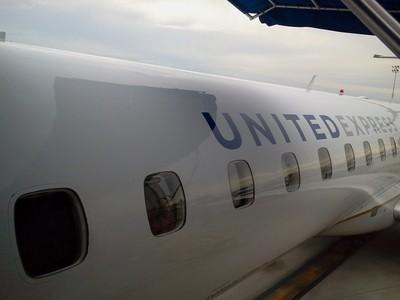 United Express ERJ 145