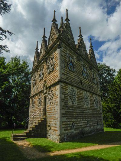 Rushton Triangular Lodge - UK
