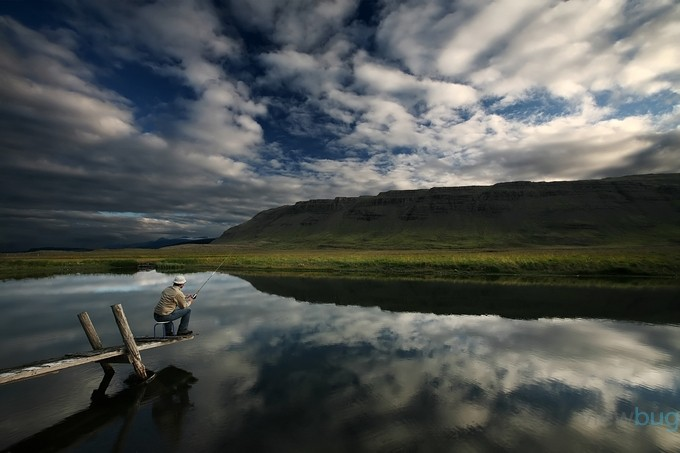 Fish story by BRIN - People In Large Areas Photo Contest