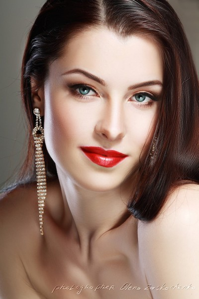 Diana red lips perfect make up