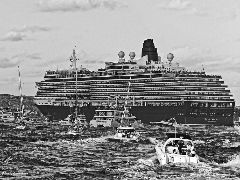 Sydney Harbour - Queen Mary Departure 7