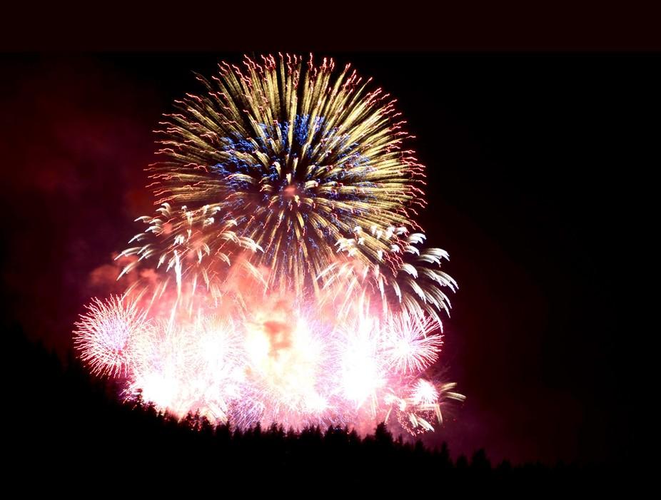 Fireworks over Lake Tahoe_07/04/2014_Sharon Lynn