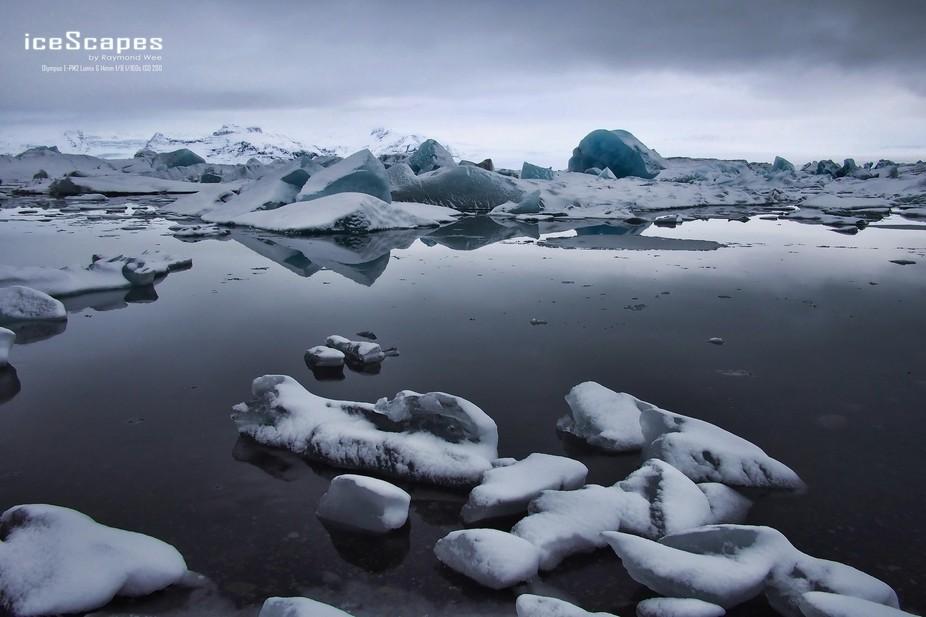 The serene Jökulsárlón glacier lake.
