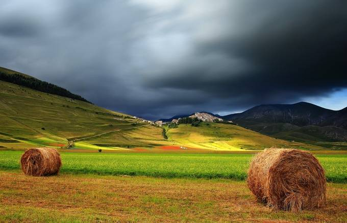 Castelluccio di Norcia by francescorusso - Meadows Photo Contest