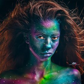 Body Painted Galaxy Inspired Shoot in Chicago. Modelo: Thalita. Body Art and Photography by @Leekovision.