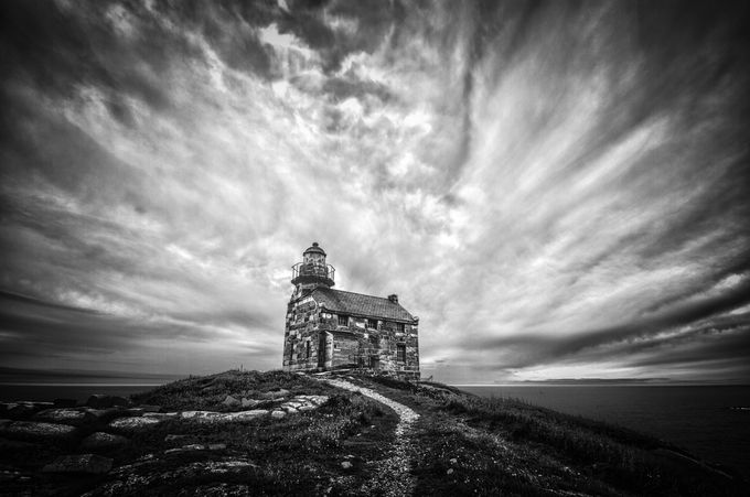 Phare Rose Blanche by JoelDucharme - Cloud Painting Photo Contest