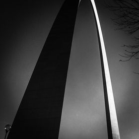 Shadowing the Great Saint Louis Arch