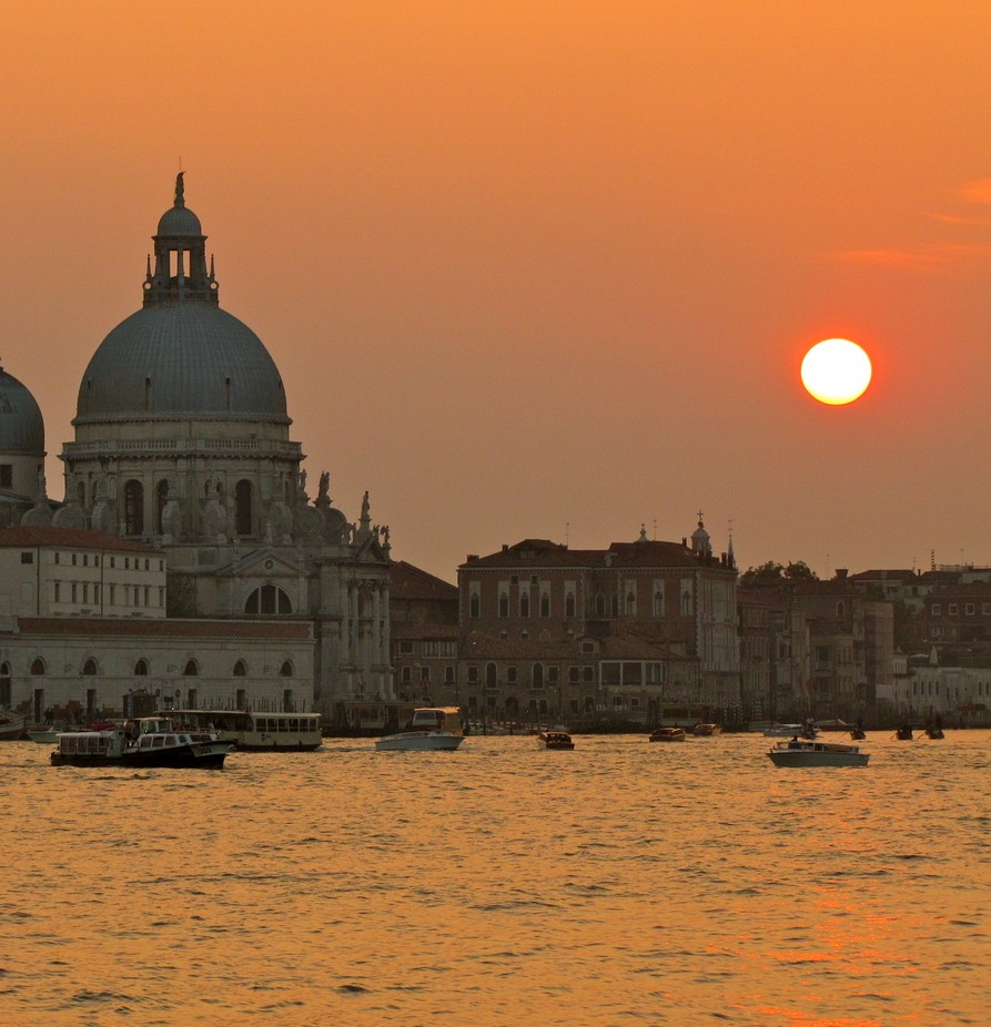 Venice, Itay by sendme37 - City Sunsets Photo Contest