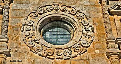 Outeiro - basílica de Outeiro - Bragança - pormenor de S - Cópia