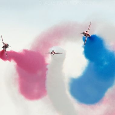 Gypo break RAF Red Arrows
