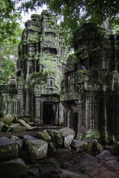 Tah Phrom Towers (Cambodia)