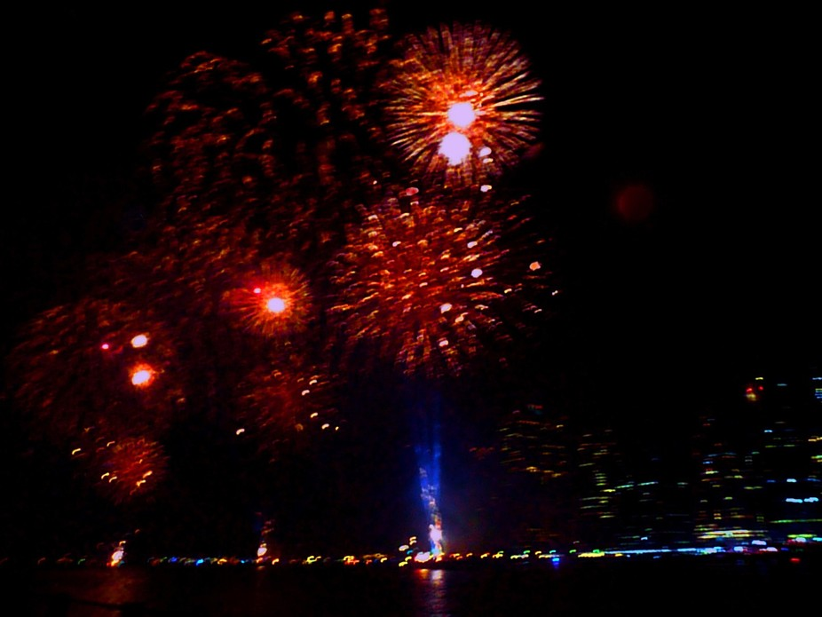 Macys fireworks in Brooklyn Bridge Park.