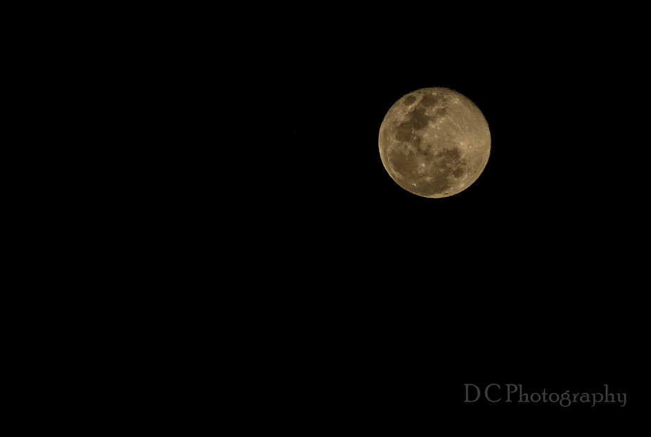 Super moon . the moons closest point to the earth