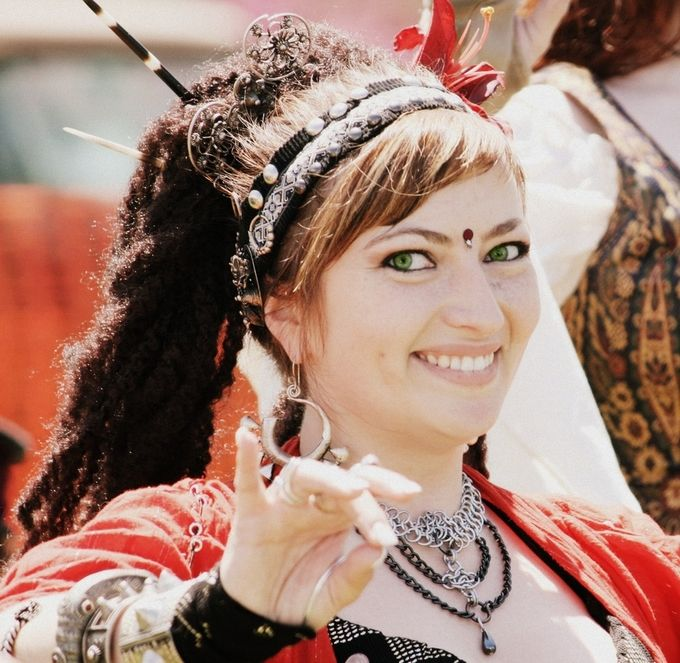 ren faire dancer