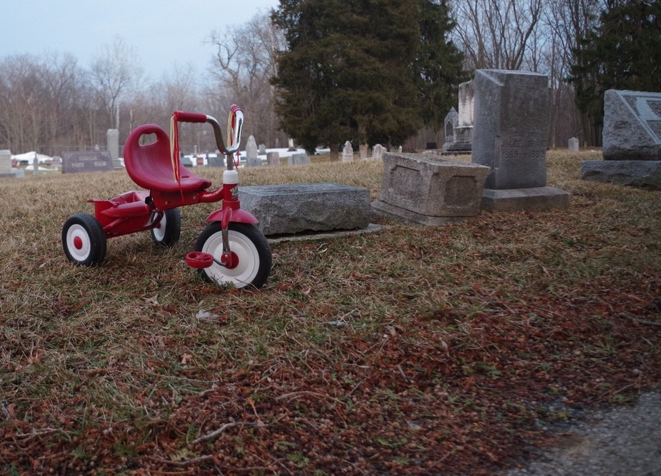 A child\'s grave from the 1800s