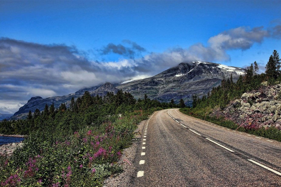 Summer road in the mountains  in the North of Sweden #Ritsem #gällivare #Norrland
