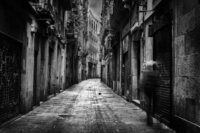 Barcelona Alley by LarryGreene - Black And White Compositions Photo Contest