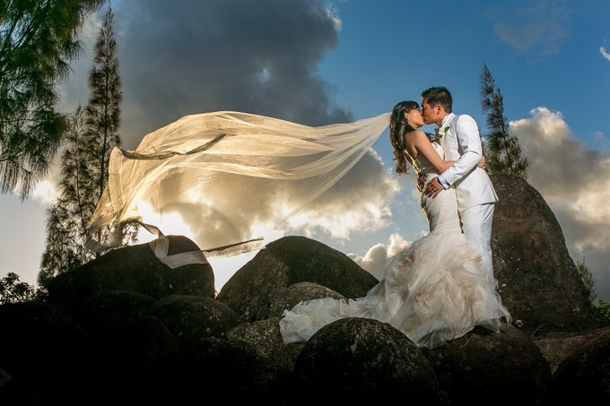 Vicki and Sean in Oahu by verita - Anything Wedding Photo Contest