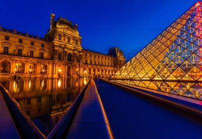 La pyramide du Louvre - Paris
