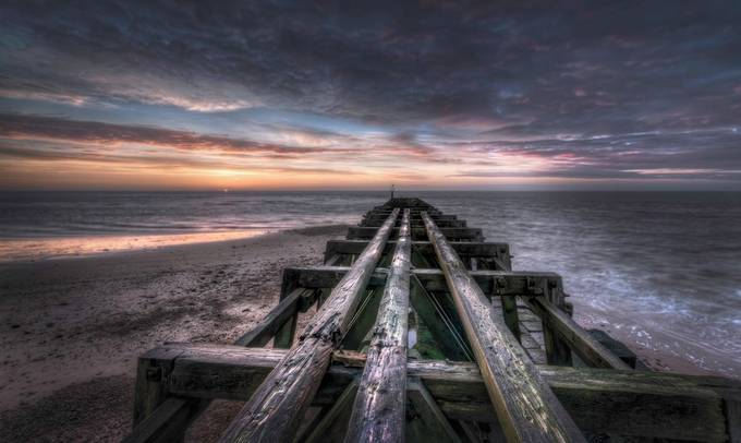 Crumbling by Dickiebird - HDR Photography Contest