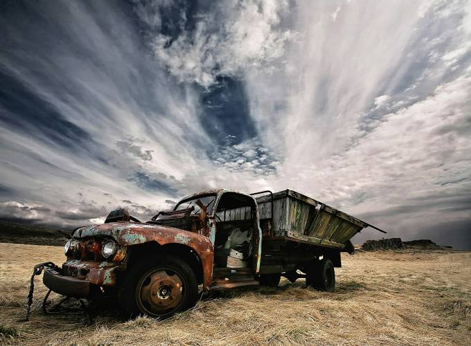 Rusty Truck by Structor - Cloud Painting Photo Contest